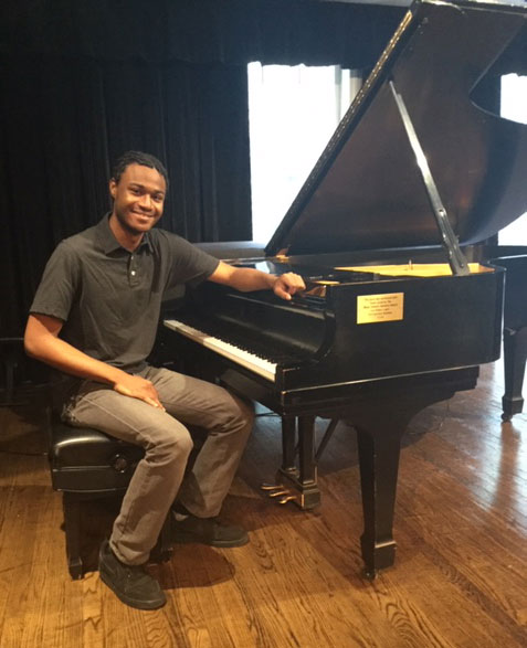 Piano Student Learns to Read Music After 10 Years of Playing, Thanks to Scholarship